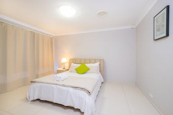 Picture of Getaway Holiday House Bankstown in Bankstown