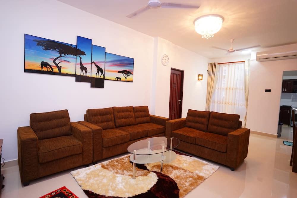 Luxury Apartment, 4 Bedrooms - Living Area