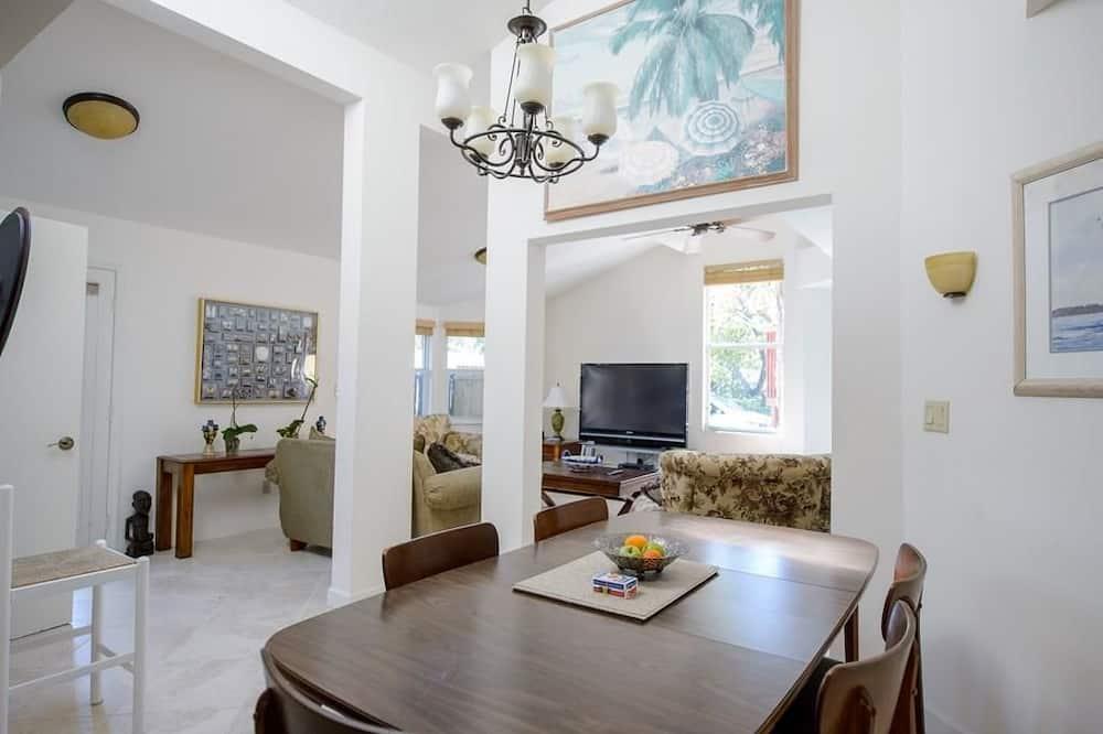 Ferienhaus, Mehrere Betten (Gulf Breeze) - Wohnbereich