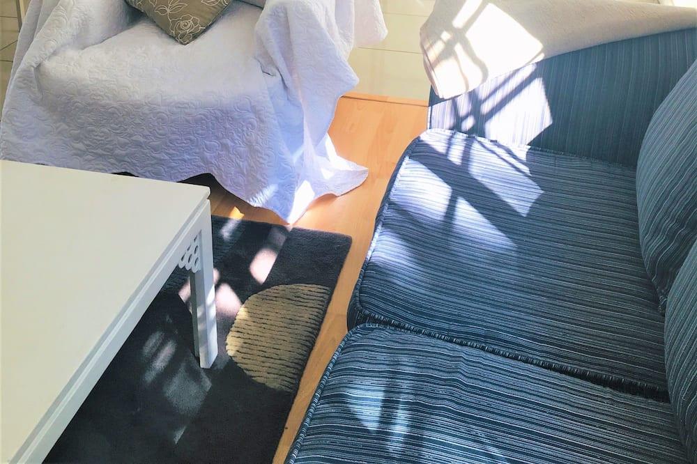 Comfort Apartment, 1 Bedroom, Accessible, Garden View - Living Area