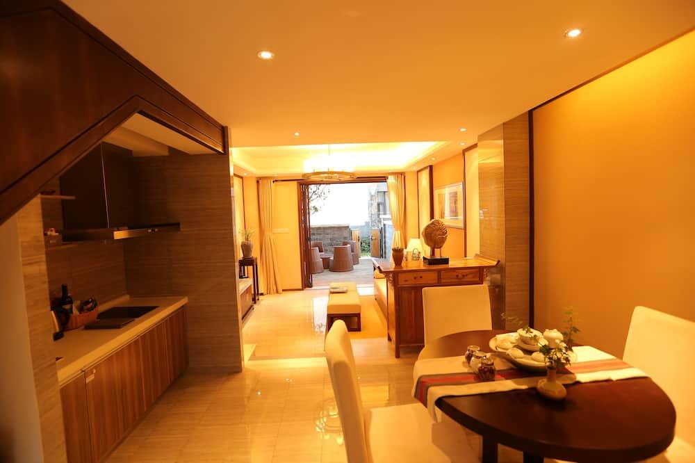 Two Bedroom Family Villa - In-Room Dining