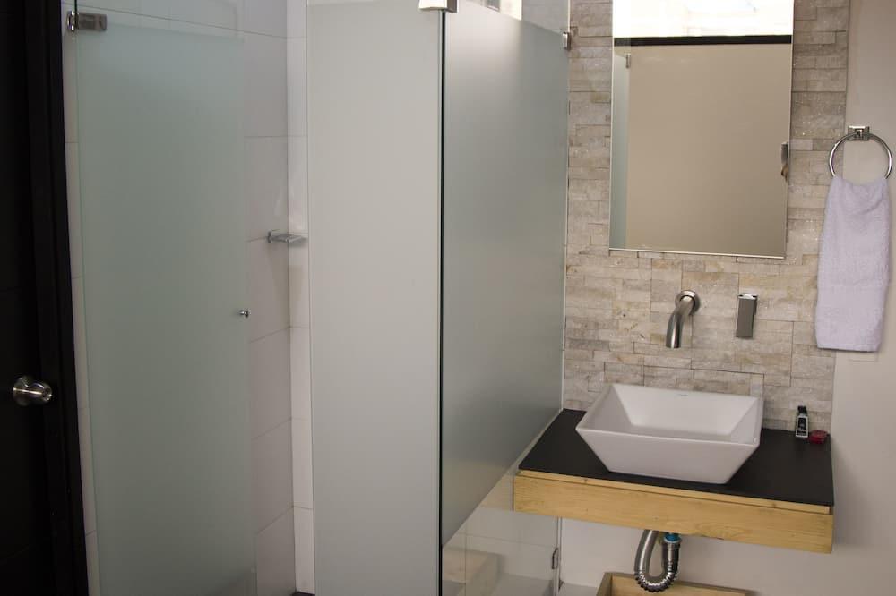 Phòng đôi phong cách cổ điển, 1 giường đôi - Phòng tắm
