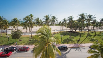 Picture of BeachFront Suites by Yourent Vacations in Miami Beach