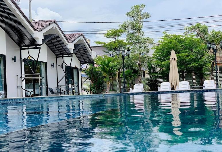 Sandy Clay Bungalows, Sihanoukville, Pool