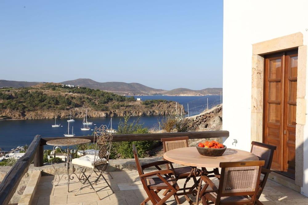 Luxury House - Balcony