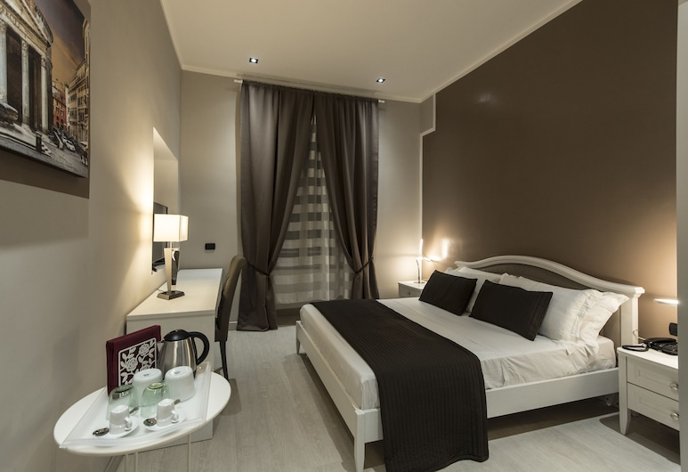 Fabio Massimo Guest House, Rome, Deluxe Triple Room (PANTHEON), Guest Room