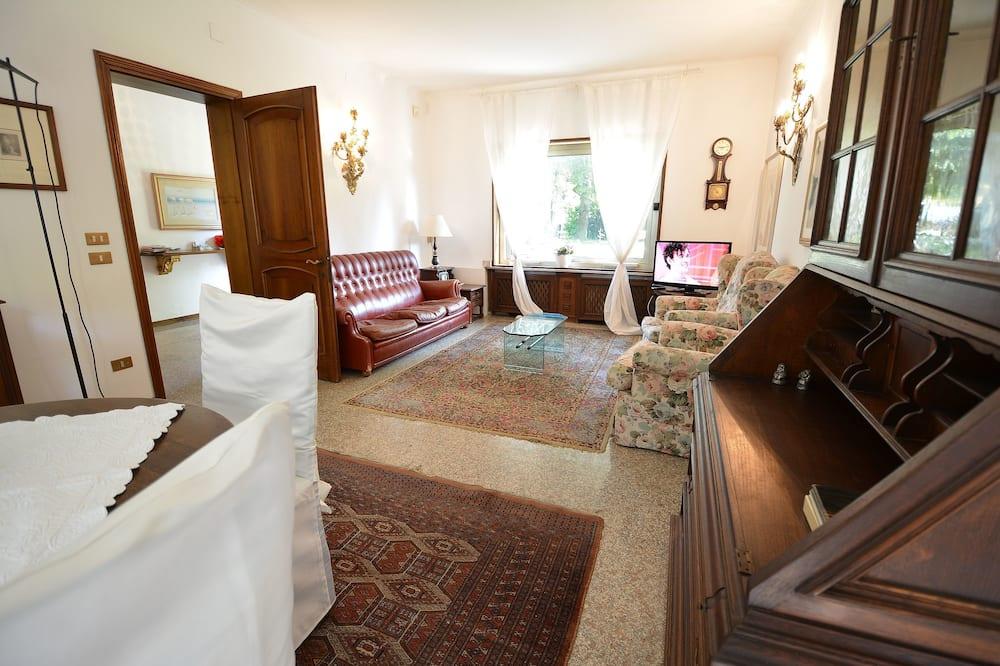 Villa, 4 Yatak Odası - Oturma Odası
