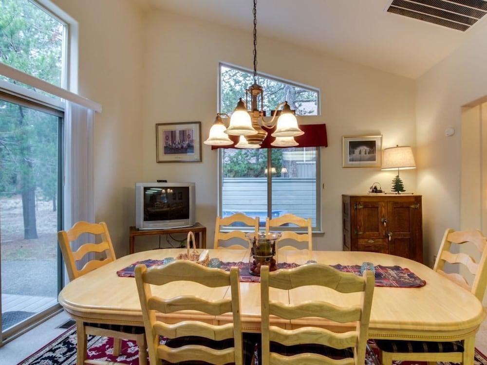 20 Topflite, Sunriver, Apartment, 4 Bedrooms, In Room Dining