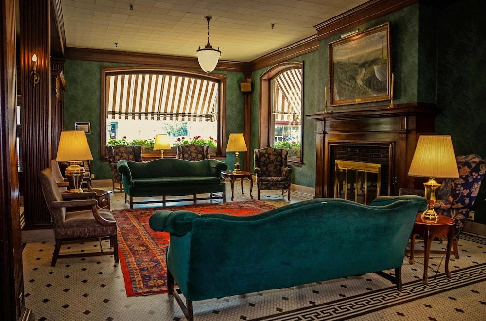 Penn Wells Historic Hotel Wellsboro