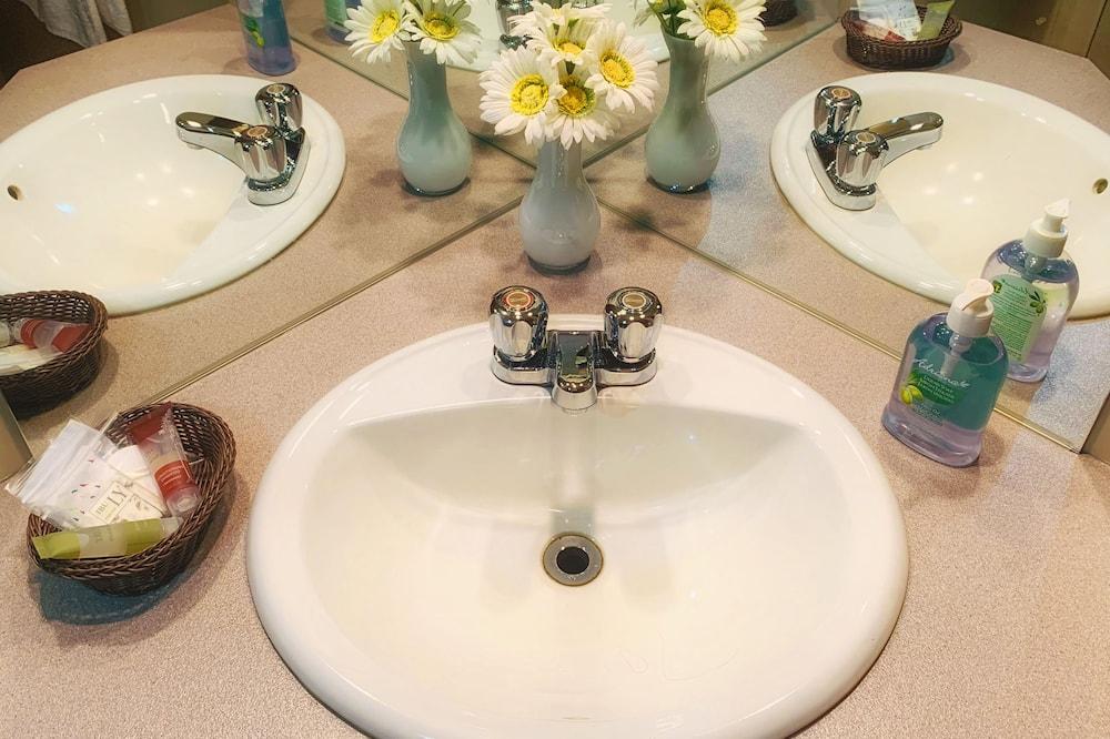 Luxury-huone, 1 parisänky, Poreamme - Kylpyhuone