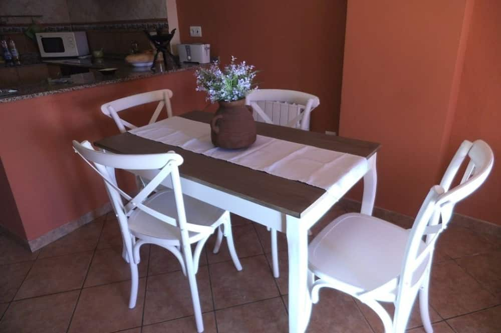 House, 3 Bedrooms, Fireplace, Mountain View - In-Room Dining