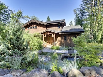 Picture of Cascadia Tree House in Washougal