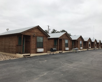 Cabins In Floresville