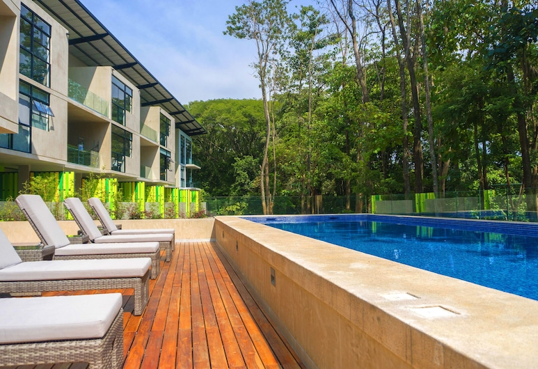 Arborea Flats by Corporate Stays, Santa Ana, Outdoor Pool