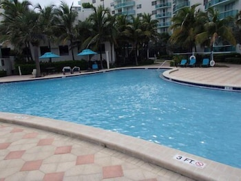 Picture of Hollywood Beach Side Apartments in Hollywood