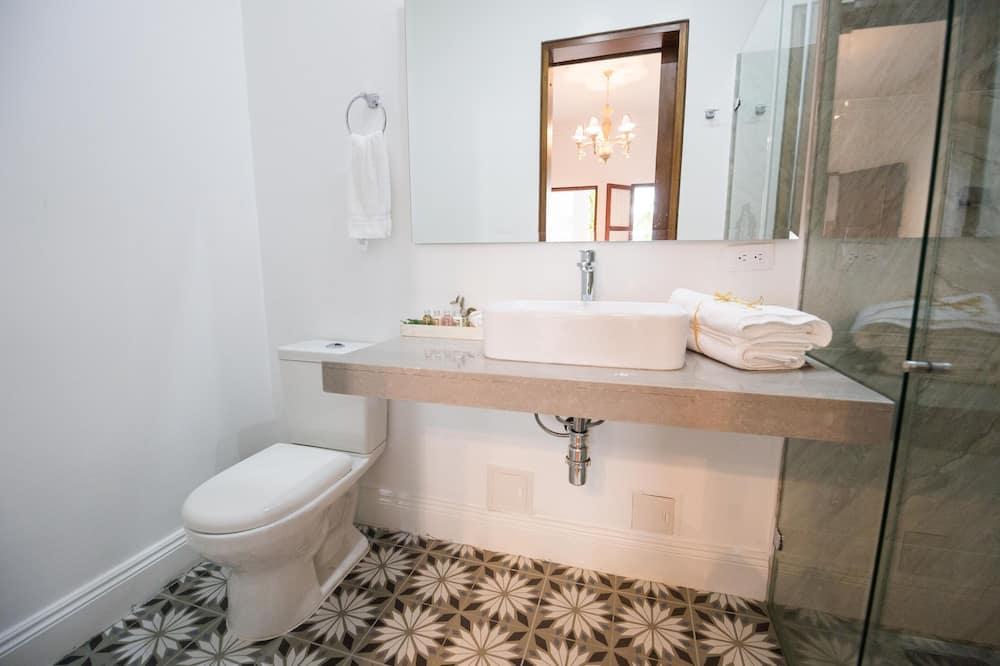 Habitación junior con 2 camas individuales - Cuarto de baño