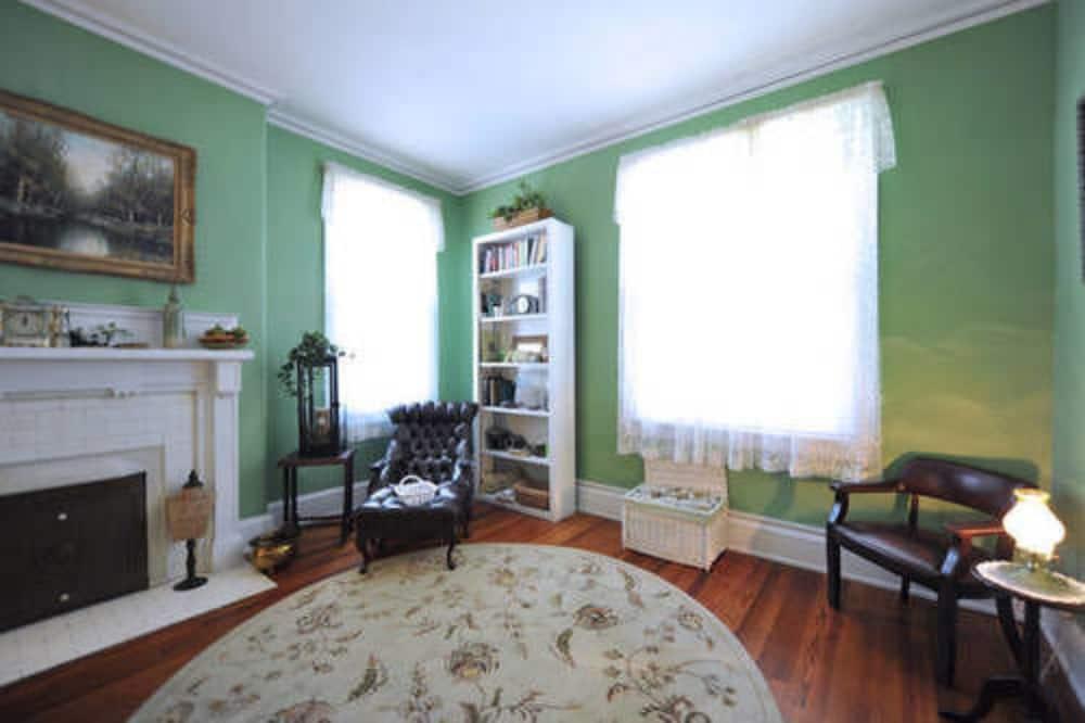 ルーム 専用バスルーム (Magnolia Room) - リビング エリア