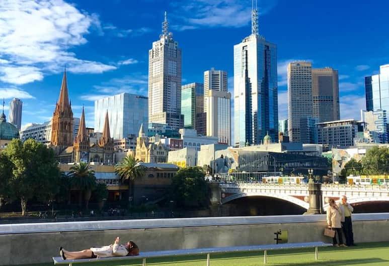 Carlson View Apartments - 315 LaTrobe St, Melbourne, Terrace/Patio