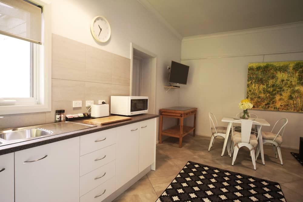 Студия, 1 спальня - Зона гостиной