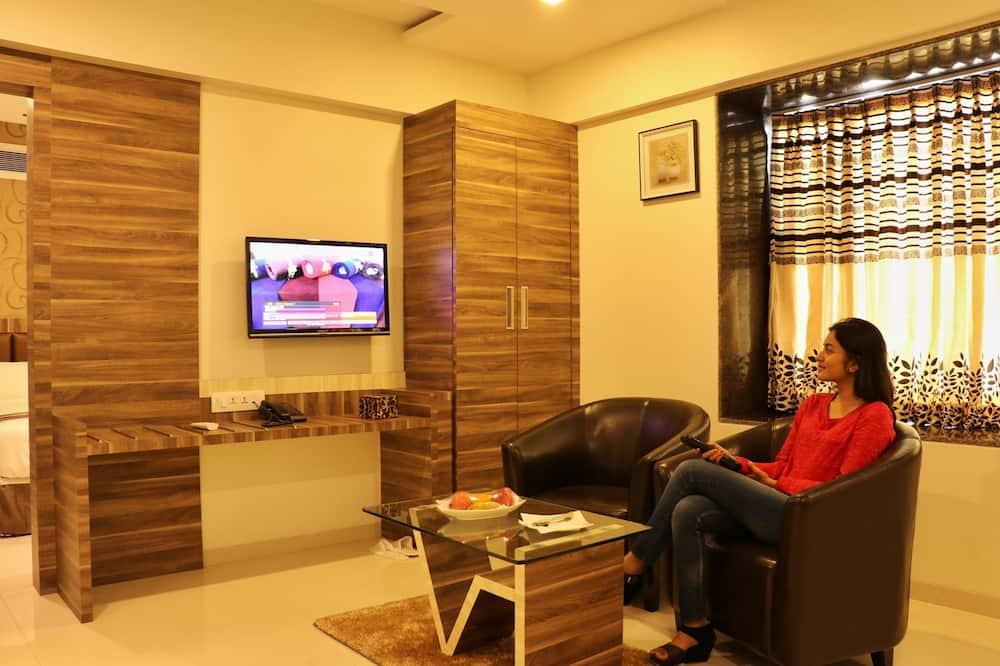 Elite Suite, Multiple Beds - Living Area