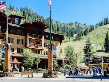 Top 10 Olympic Valley Hotels Near Squaw Resort California