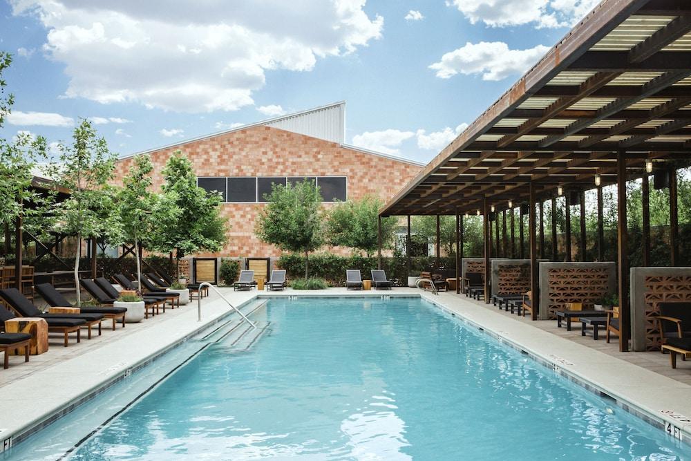 Hotel Saint George Marfa Outdoor Pool