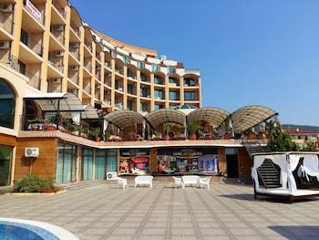 ภาพ Grand Hotel St.Vlas - Menada Apartments ใน ยูร์ตา