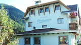 Choose this Pension in Sankt Anton am Arlberg - Online Room Reservations