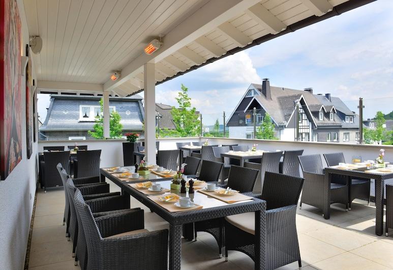 Hotel Rech, Brilon, Γεύματα σε εξωτερικό χώρο