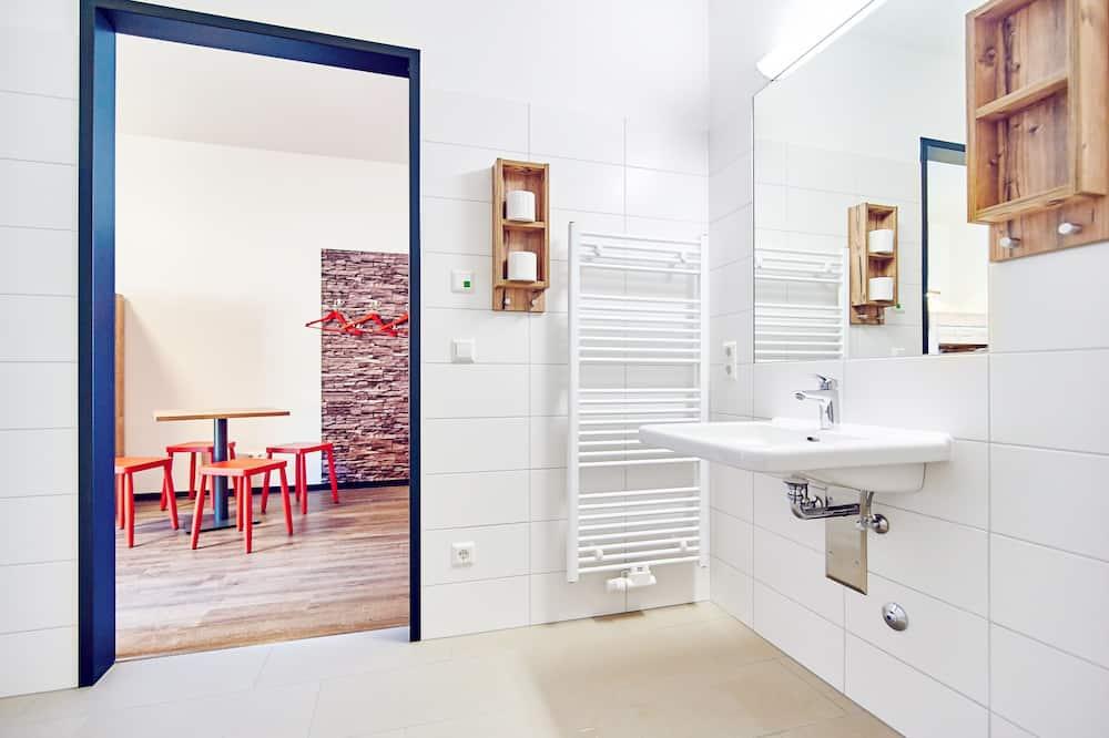 Quadruple Room, Private Bathroom (Main building) - Bathroom