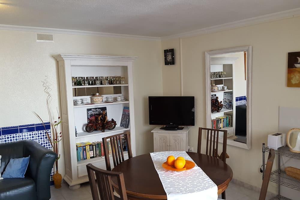 Comfort Apartment, 1 Bedroom, Terrace (2-4) - In-Room Dining