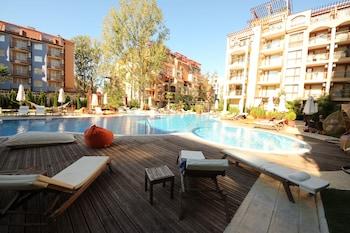 陽光海灘梅納達和諧套房 II 號公寓酒店的圖片