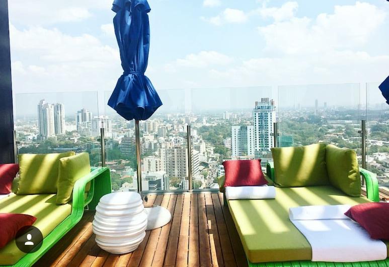 Mövenpick Hotel Colombo, Colombo, Bar u bazénu
