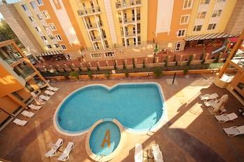 サニー ビーチ、メナダ アマデウス 3 アパートメンツの写真