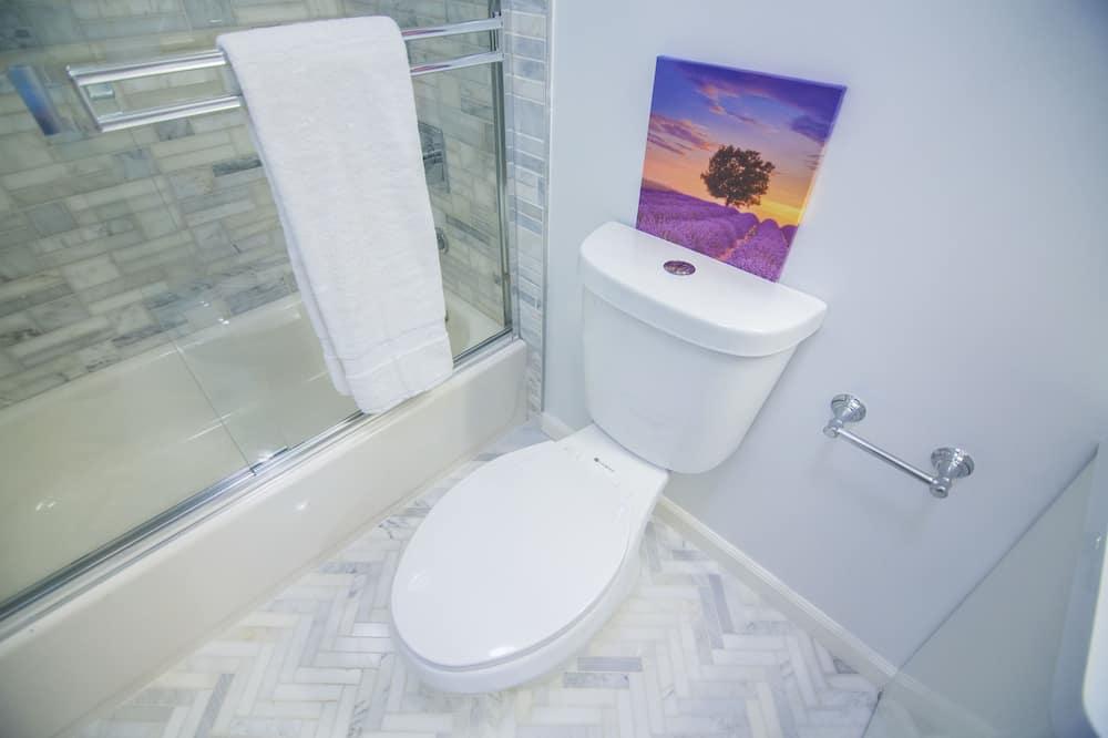 Twin soba, 2 kreveta za jednu osobu, zajednička kupaonica - Kupaonica