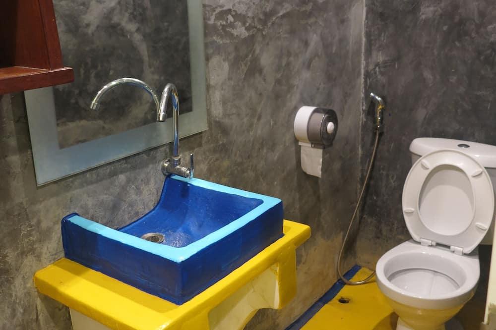 Double room with Private Bathroom - חדר רחצה