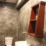 Double room with Private Bathroom - Phòng tắm