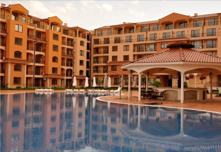 Menada Diamant Residence Apartments, Sunny Beach, Alberca al aire libre