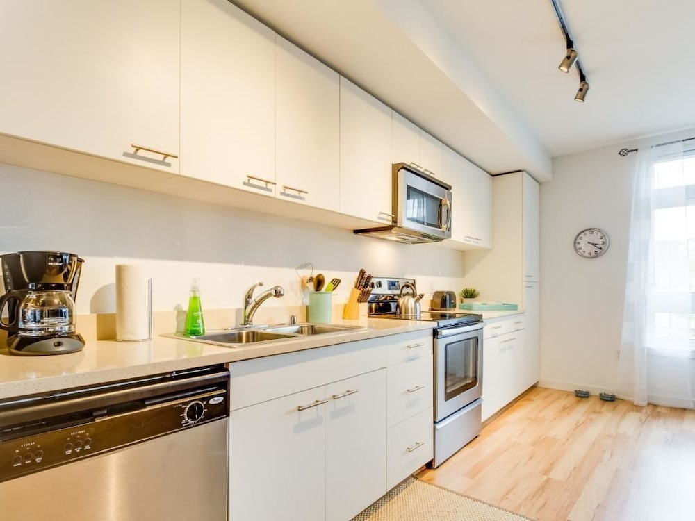 Green Lake Perfection Seattle Apartment 1 Bedroom In Room Kitchen