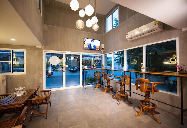 Hoppers Place Donmuang Hostel, Bangkok, Ingang binnen