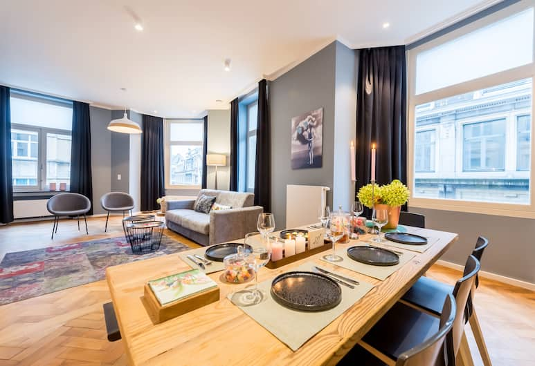 Smartflats Design - Grand-Place, Brussels, Apartment, 2 Bedrooms, Terrace, Living Room