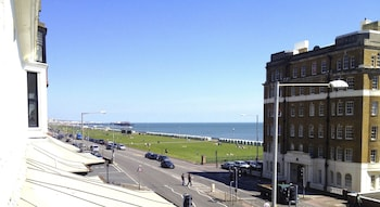 Picture of Brighton Getaways-Beach View in Hove
