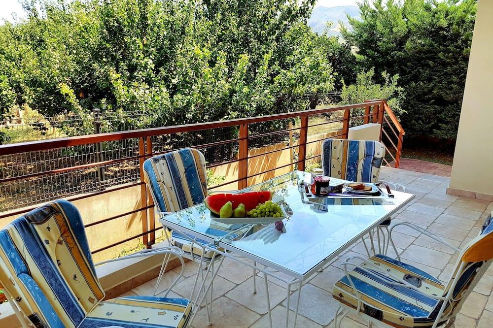 Villa, piecas guļamistabas - Terase/iekšējais pagalms