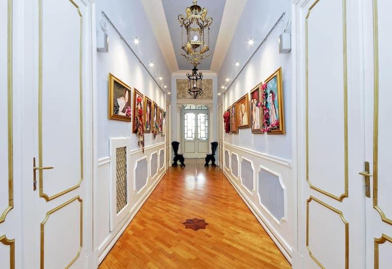 Domus Monamì Luxury Suites, רומא
