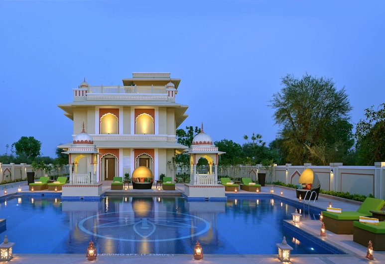 Indana Palace Jaipur, Jaipur, Piscina no terraço