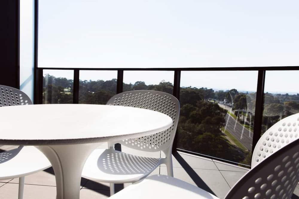 One Bedroom Premier Apartment - Balcony
