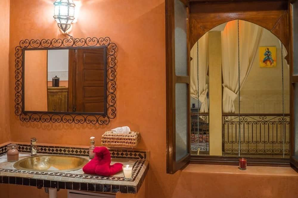 スーペリア ダブルルーム 専用バスルーム (GRENADIER) - バスルーム