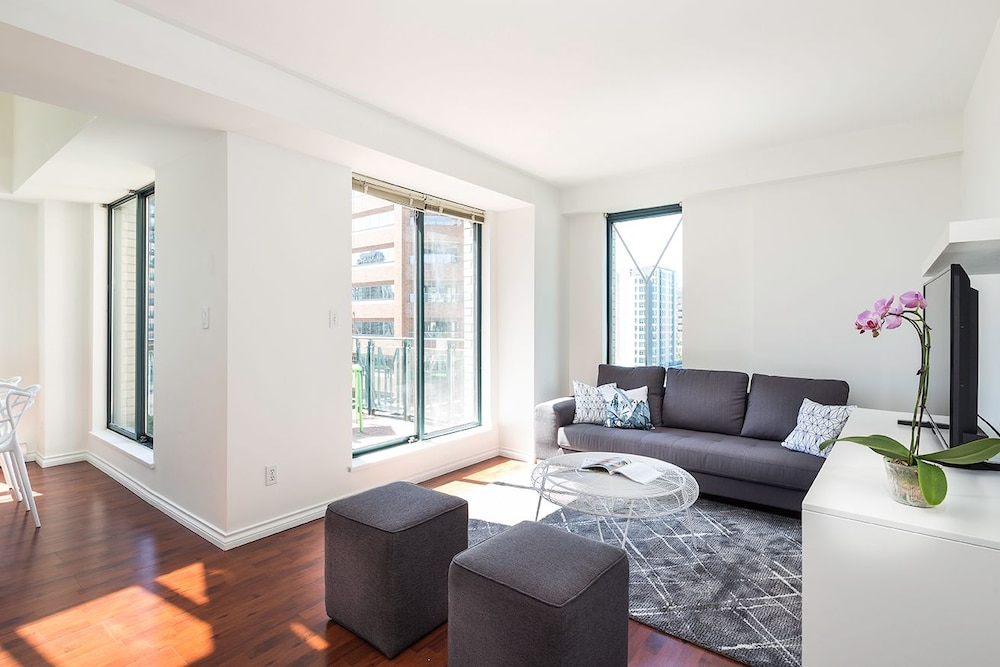 2br In Yaletown By Sonder Vancouver