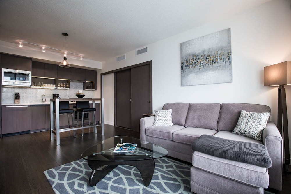 Stunning 1BR in Yaletown by Sonder, Vancouver