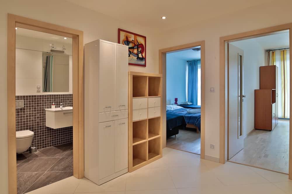 Appartement Luxe, 3 chambres, 2 salles de bains, côté cour intérieure - Chambre